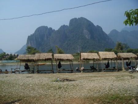 Beer & mandi-sungai huts near our 'resort'