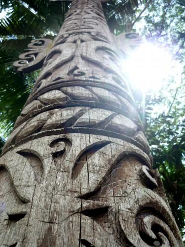 A kliering (burial pole)